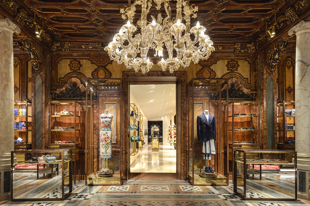 f274f5c6f86f Luxury architect Carbondale transformed the Dolce & Gabbana Venice Store